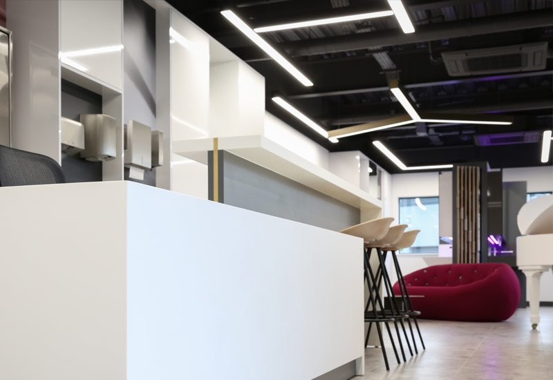 LED Linear lighting installation