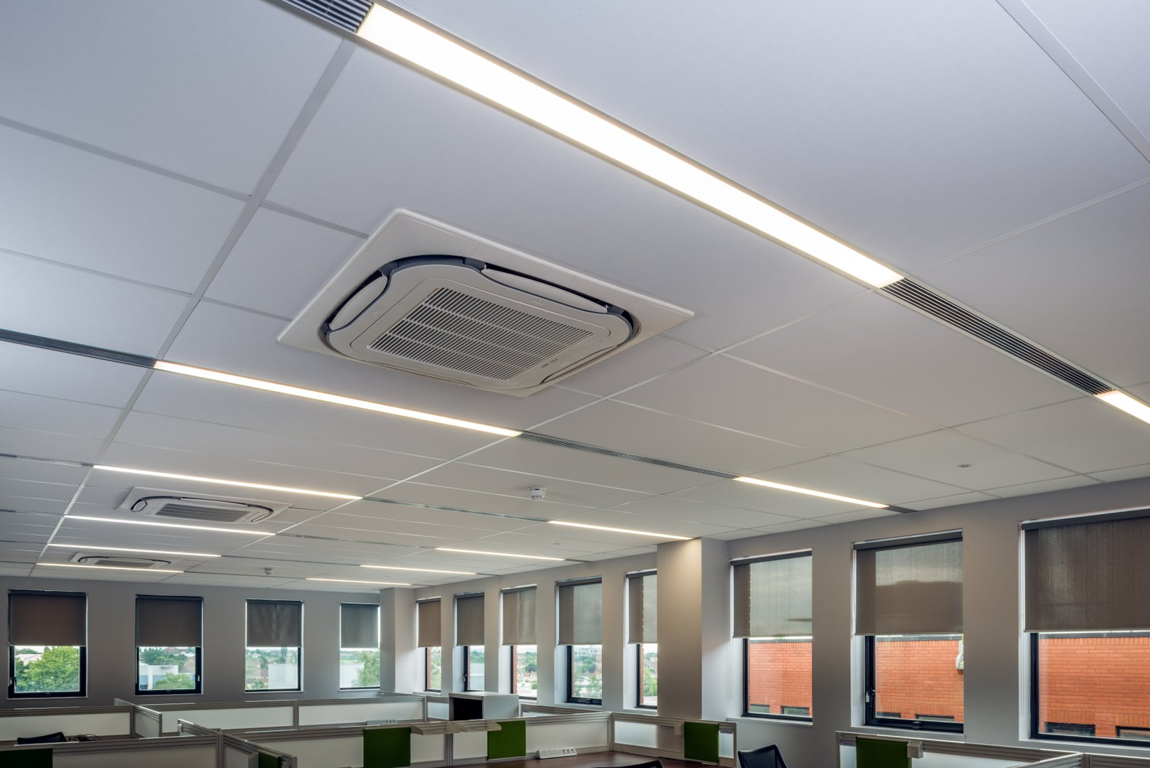 Recessed with trim LED Linear lighting