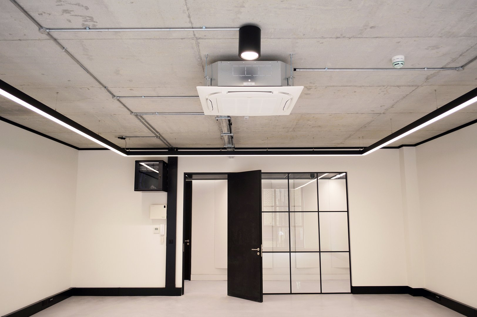 LED Linear Box Pendant Polaris - Synergy.jpg
